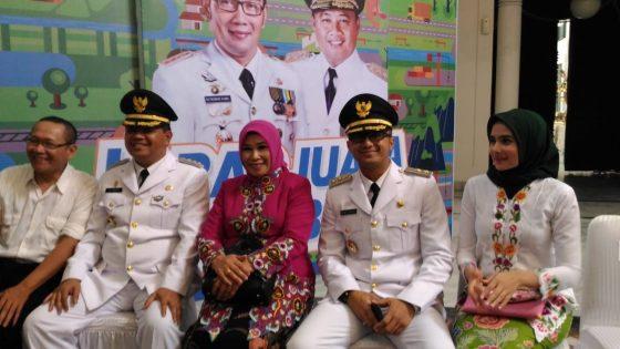 KPK Cecar Hengky Kurniawan bersama Tersangka Soal Bansos Covid-19