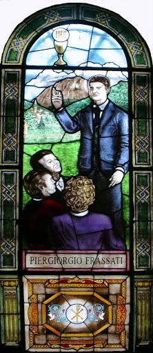 Vetrata del Duomo dedicata al beato Frassati