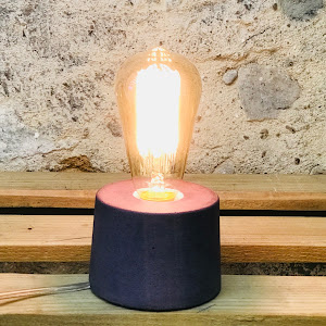 lampe béton design violet