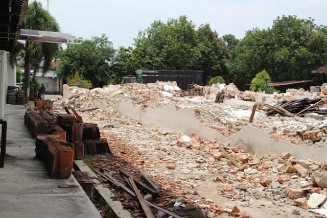 dokumen lelang proyek restorasi gedung DPRD ngawi