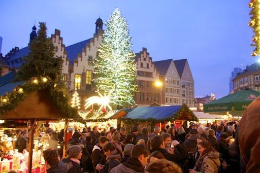 フランクフルトのクリスマスマーケットの雰囲気