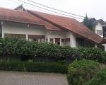 Villa yang ada kolam renangnya di lembang