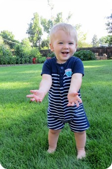 Henry 11 month Portraits_0001_thumb