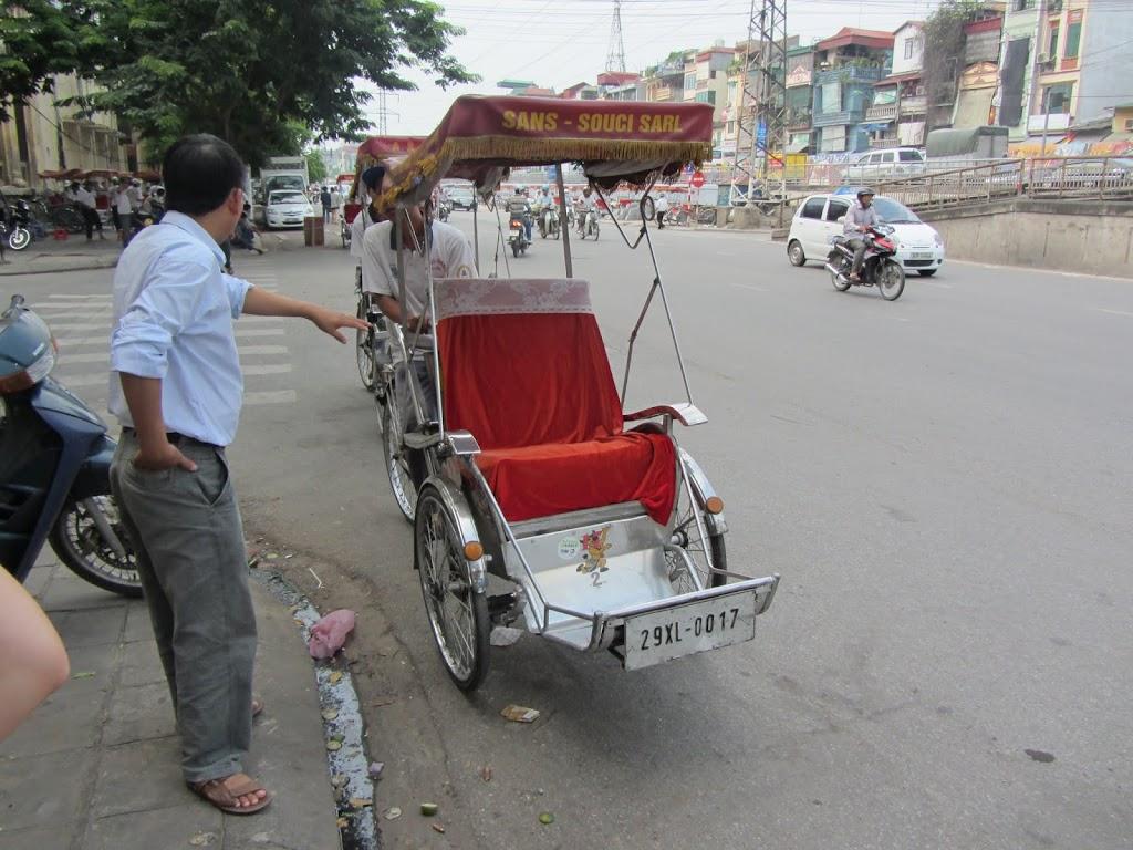0002Pedicab_Ride_in_Hanoi