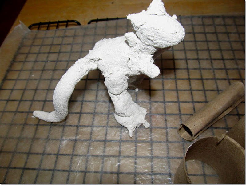 finished dino sculpture 2