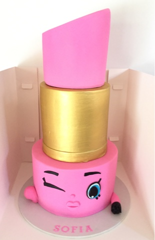 Shopkins Lippy Lips Cake