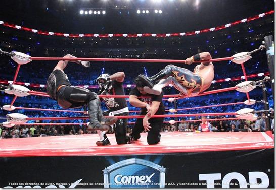 Triplemania Lucha Libre AAA en un cuadrilatero