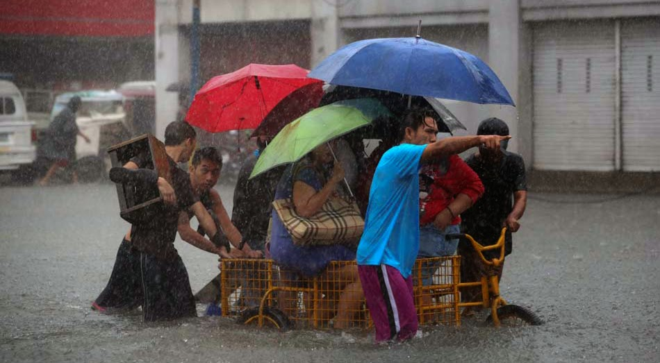 Mario Causes Flooding in Metro Manila with Pictures 19-09-2014-19