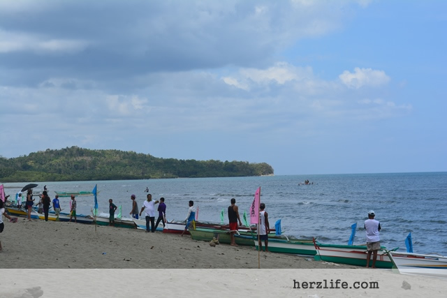 Oar Boat Racing in Odiongan Shoreline