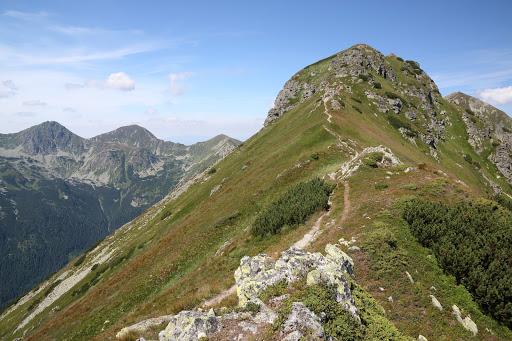 Ostredok, vľavo Ostrý Roháč a Volovec