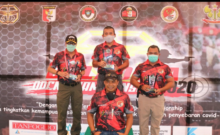 Kapolda Banten Juara Kesatu Tembak Senapan Jarak 400 M