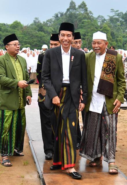 Presiden Jokowi Di Pondok Pesantren Al-Hikamussalafiyah Cipulus Purwakarta