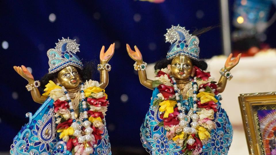 ISKCON Noida Deity Darshan 2 April 2016  (2)