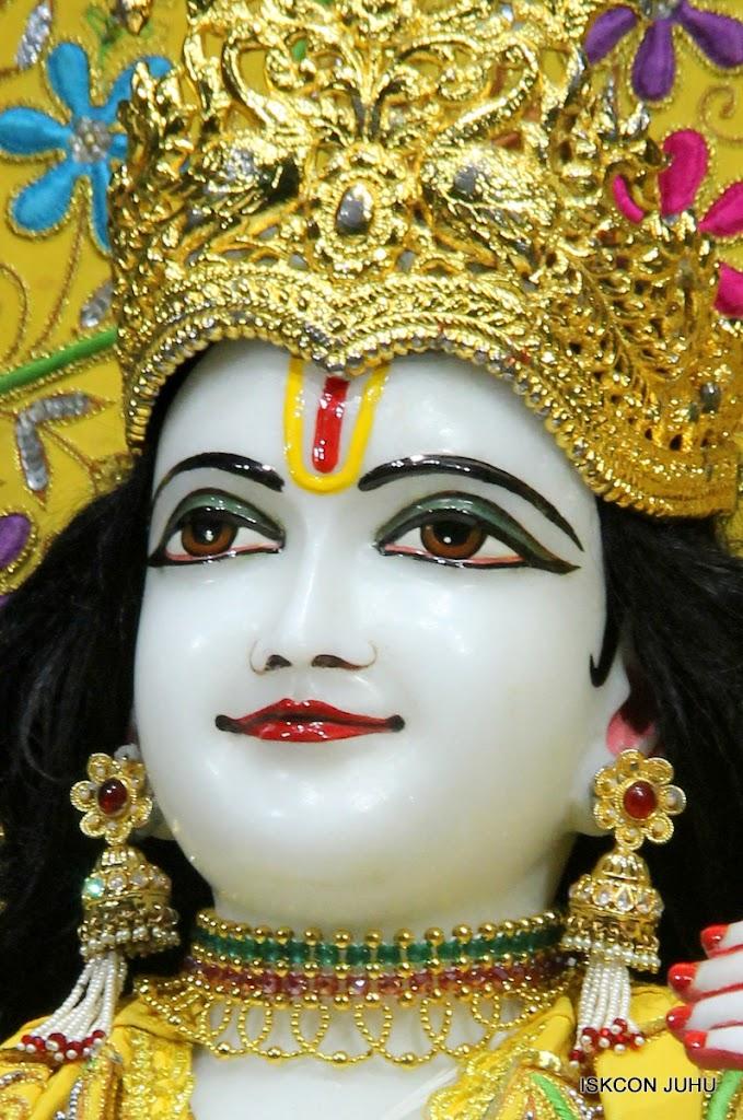 ISKCON Juhu Mangal Deity Darshan on 27 April 2016 (3)