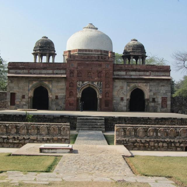 Isa Khan complex, Delhi (Mosque)