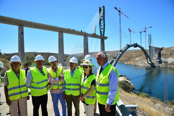 Avanza la construcción del viaducto sobre el río Almonte de la línea de AVE a Extremadura
