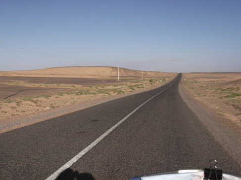 Marrocos e Mauritãnia a Queimar Pneu e Gasolina - Página 9 DSCF1032