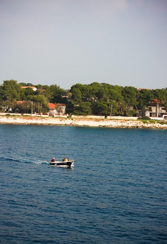 Croatia - Silba, Zadar, sky, cats, windows - Vika-7936.jpg