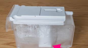冷蔵庫の給水タンク