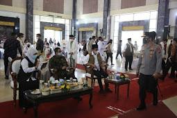 Menkopolhukam RI Melaksanakan Dialog Bersama Forkopimda Jatim, Tokoh Agama, Tokoh Masyarakat di Kabupaten Bangkalan