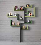 libreria Linea Lago mobili. Questa composizione ricorda la forma di un albero.