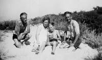 Groeneweg, Cornelis, Cornelia, Cornelis en Sjaak Oostvoorne 1949 (2).jpg