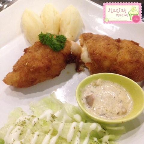 maniak-makan-fifty-fifty-solo-baron-chicken-cordon-bleu