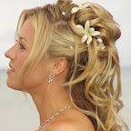 medium-prom-hairstyles-14.jpg