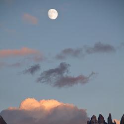 Rosengarten Abendrot Mond 20.10.10-5760.jpg