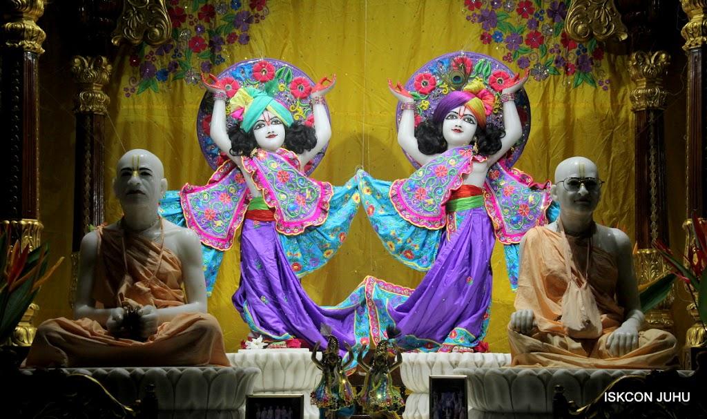 ISKCON Juhu Mangal Deity Darshan on 10th July 2016 (35)