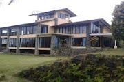 villa dilembang bandung untuk 30 orang