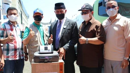 Gubernur Sumbar Terima Bantuan Ventilator, Konsentrator dan Liquid Oksigen