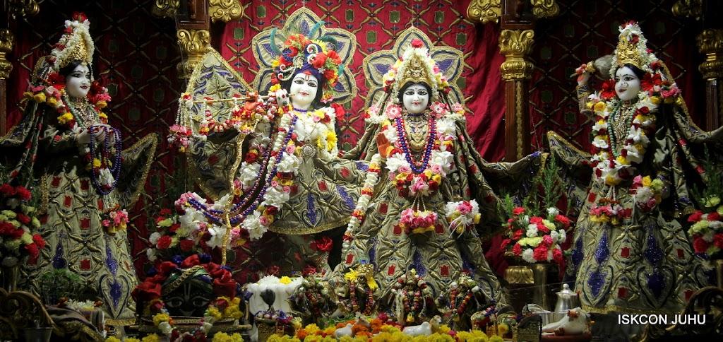 ISKCON Juhu Sringar Deity Darshan on 24th June 2016 (14)