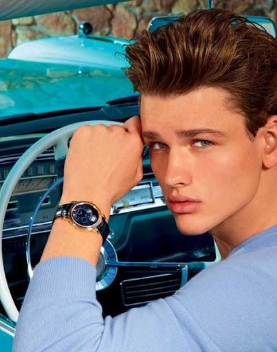 Simon Nessman, reloj