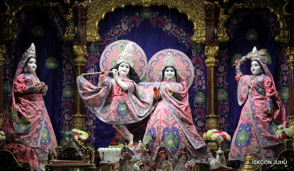 ISKCON Juhu Mangal Deity Darshan on 30th Sep 2016 (15)