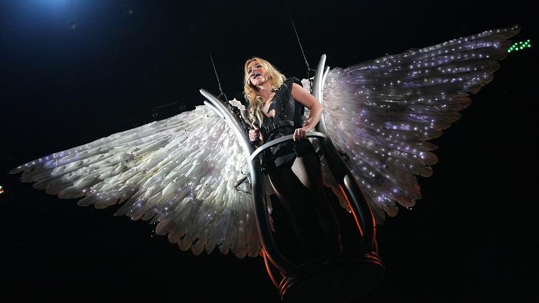 Britney Spears says she'll not perform under her father's conservatorship