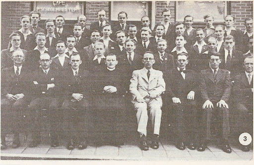 1943 (4).jpg
