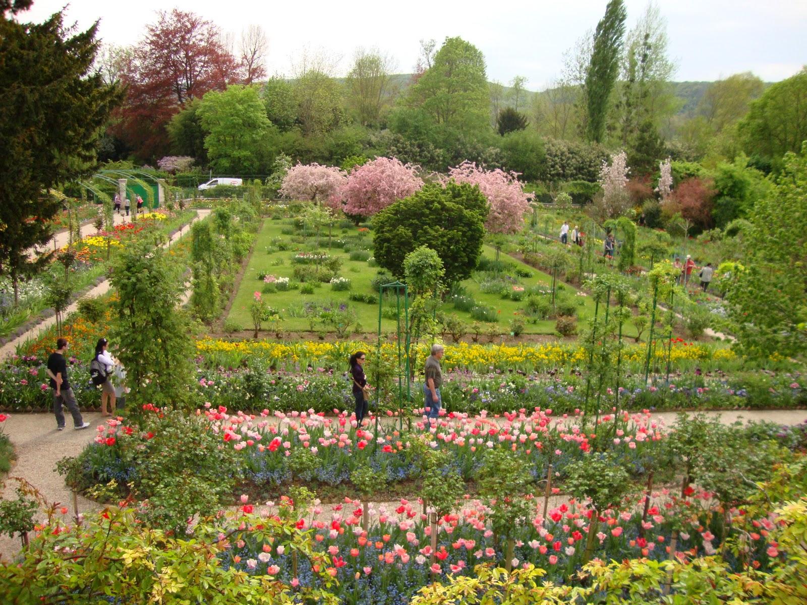 Monet viveu em Giverny por 43 anos, de 1883 até sua morte, em 1926