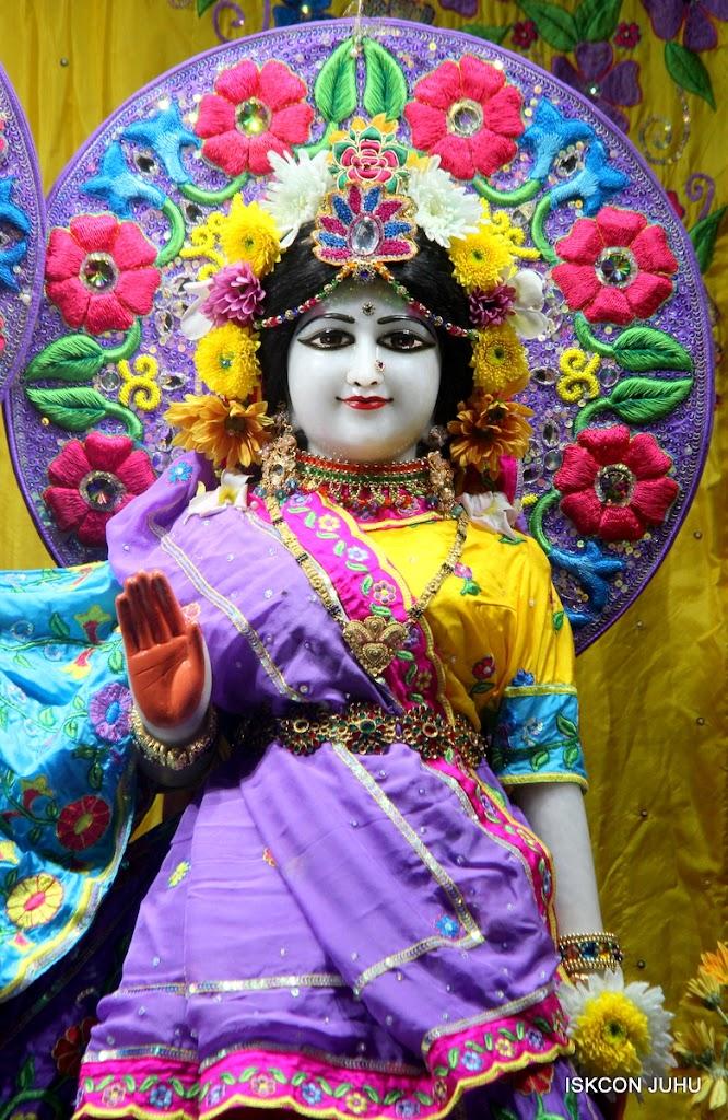 ISKCON Juhu Mangal Deity Darshan on 31st July 2016 (24)