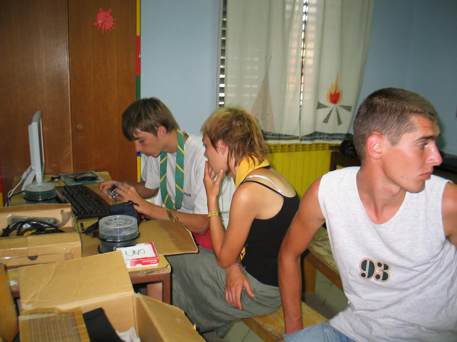 Taborjenje, Lahinja 2005 1. del - img_1193.jpg