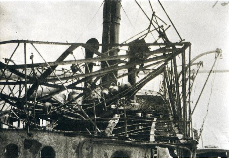 Consecuencias del ciclón de 1924. Del libro La Compañia General de Tabacos de Filipinas. 1881-1981.JPG