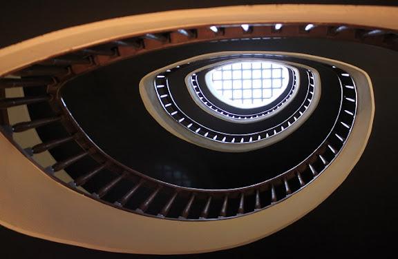 Escalera Primero Primera.JPG