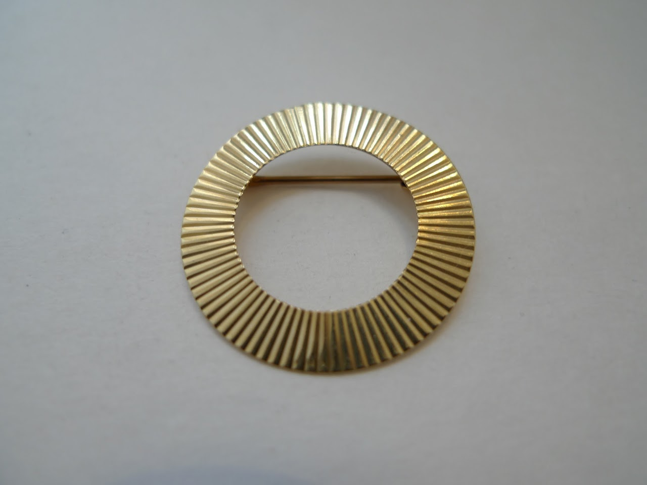 14K Gold Circular Brooch