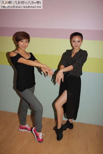 黃智雯(右)及朱晨麗為新劇節目巡禮排練肯肯舞。