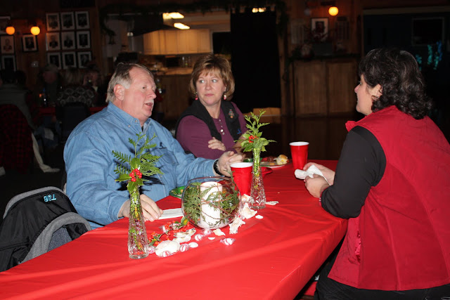 2009 Clubhouse Christmas Decorating Party - IMG_2599.JPG