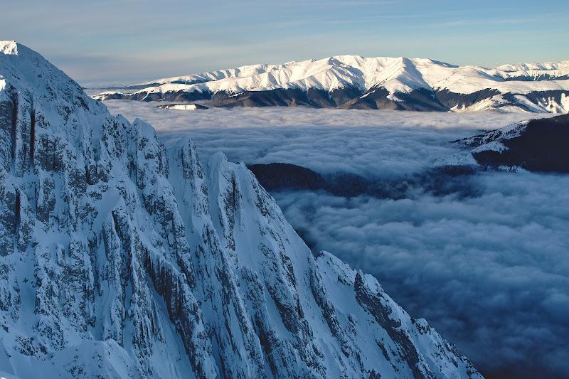 Alpin in prim plan, si cat se poate de domol in planul secund.