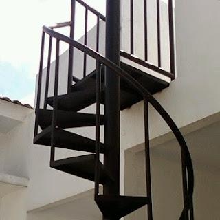 gambar tangga putar minimalis