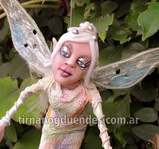 Hada del arcoiris www.tirnanogduendes.com.ar