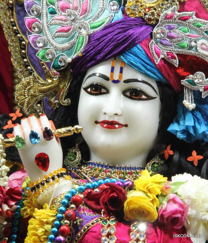 ISKCON Juhu Sringar Deity Darshan 20 Jan 2017 (17)