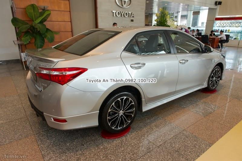 Khuyến Mãi Giảm Giá Xe Toyota Altis 2015 Mới 1